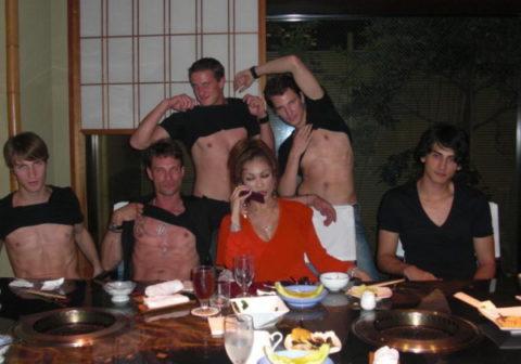 【※朗報】叶恭子さん、イケメンガイとの乱交前の写真が流出ww ←ガチだった件wwwwwwwww(画像あり)