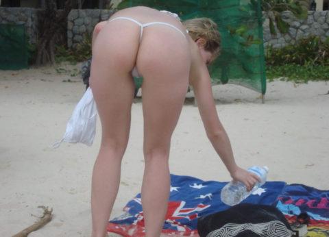 海外ではヌーディストビーチじゃなくても十分楽しめる理由がこちらwwwwwwwww(画像30枚)・12枚目