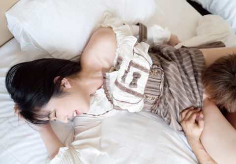 女の羞恥心を倍増させる着衣クンニのエロ画像(30枚)・19枚目