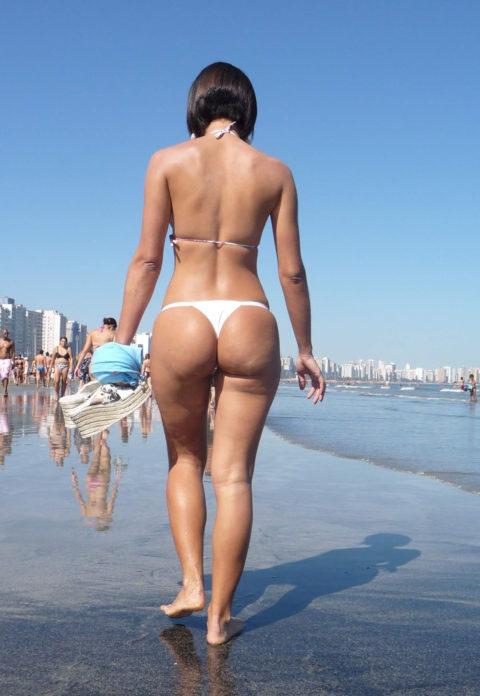 海外ではヌーディストビーチじゃなくても十分楽しめる理由がこちらwwwwwwwww(画像30枚)・25枚目