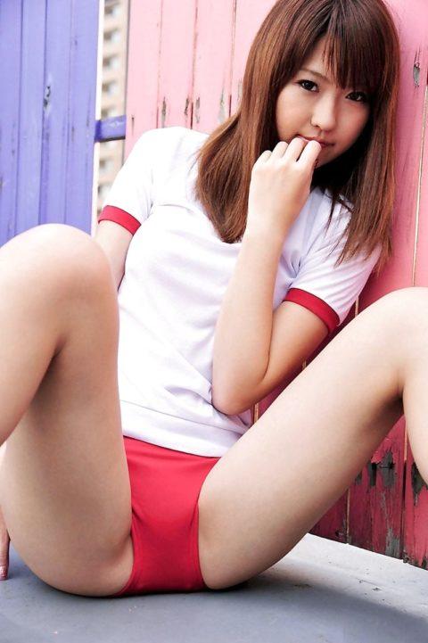 【ブルマ】おい、昔の女子ってこんな格好で体育してたんだぜ???(画像あり)・3枚目