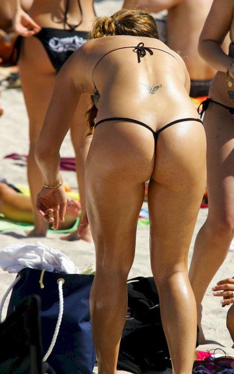 海外ではヌーディストビーチじゃなくても十分楽しめる理由がこちらwwwwwwwww(画像30枚)・3枚目