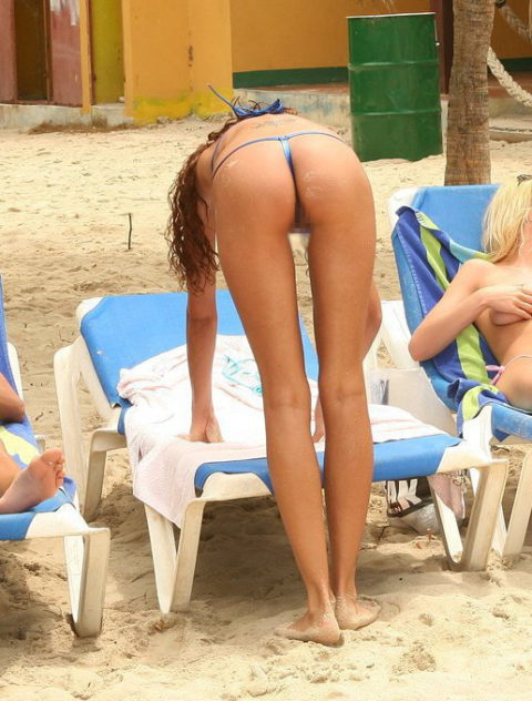 海外ではヌーディストビーチじゃなくても十分楽しめる理由がこちらwwwwwwwww(画像30枚)・7枚目