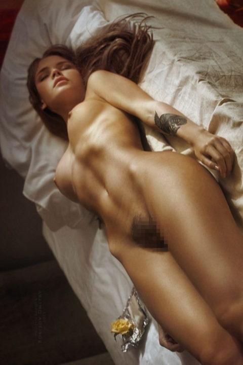 【リベンジ御免】セクロス後に全裸で寝てしまう無防備すぎる女たち・・・(画像28枚)・9枚目