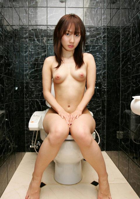 ラブホでセフレがトイレ中に扉を開けた結果wwwwwwwwww(※画像あり)・12枚目