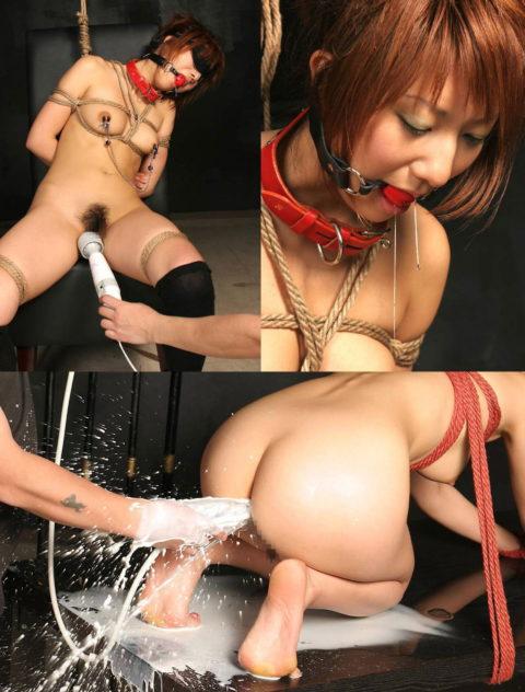 最も芸術的に浣腸液を噴射してるマゾ女を探せ!!!!!(画像30枚)・17枚目