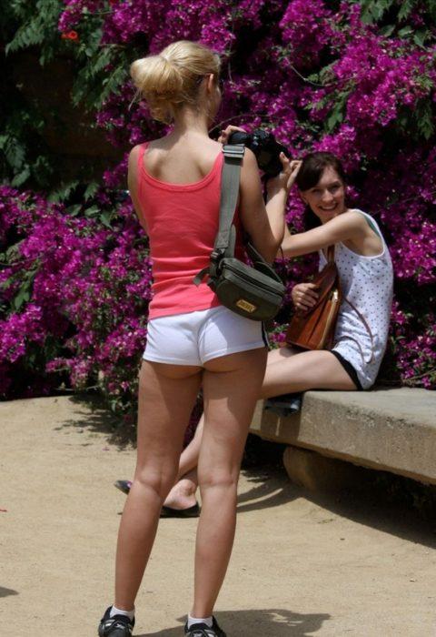 海外女子のショートパンツの穿きこなし方がエロ過ぎるんだがwwwwwww(画像28枚)・18枚目