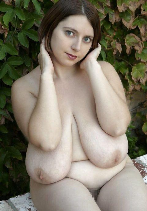 【賛否両論】巨乳界の頂点「超乳女子」の画像集(30枚)・4枚目