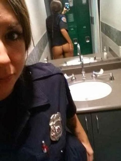 トイレ→密室→鏡ある→女たちの行動がこちらwwwwwwwwwwwwww(画像あり)・5枚目