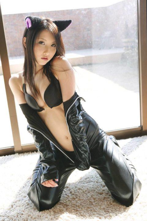 【犯したい】ジャンプスーツを着こなすエロカッコイイ女さんの画像集(30枚)・8枚目