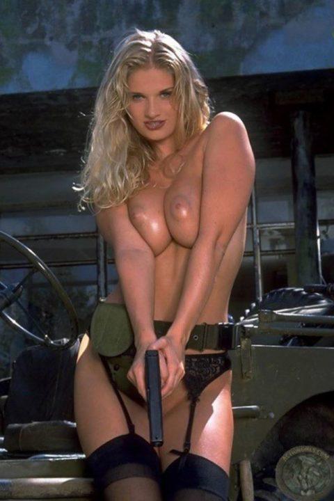 戦場で見つけたらとりあえずレイプしたい女兵士の画像集(30枚)・14枚目