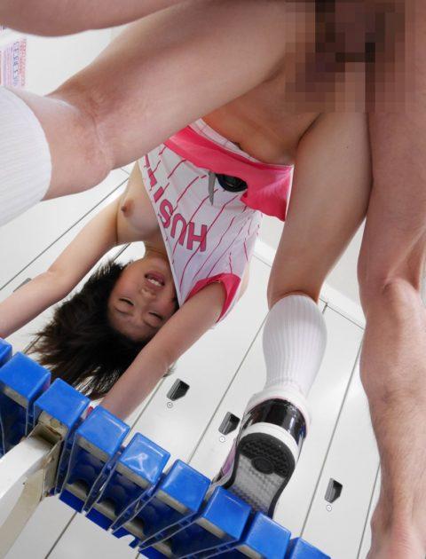 汗臭そうなスポーツ女子とのセックスが興奮する件(画像27枚)・16枚目