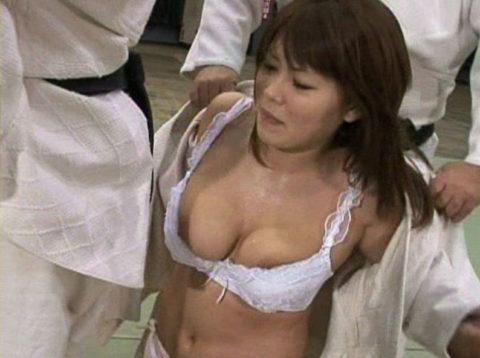 【えっろ画像】道着女子のB地区ポロリを狙え!!!!!(24枚)・13枚目