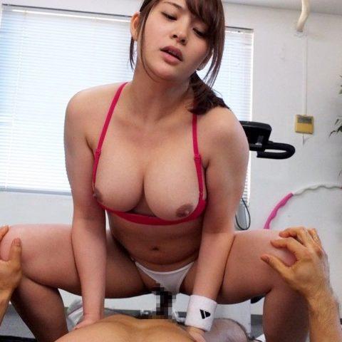 汗臭そうなスポーツ女子とのセックスが興奮する件(画像27枚)・24枚目