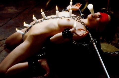【SM調教】蝋燭を垂らされて苦悶に歪む女の表情がたまらないエロ画像集(30枚)・30枚目