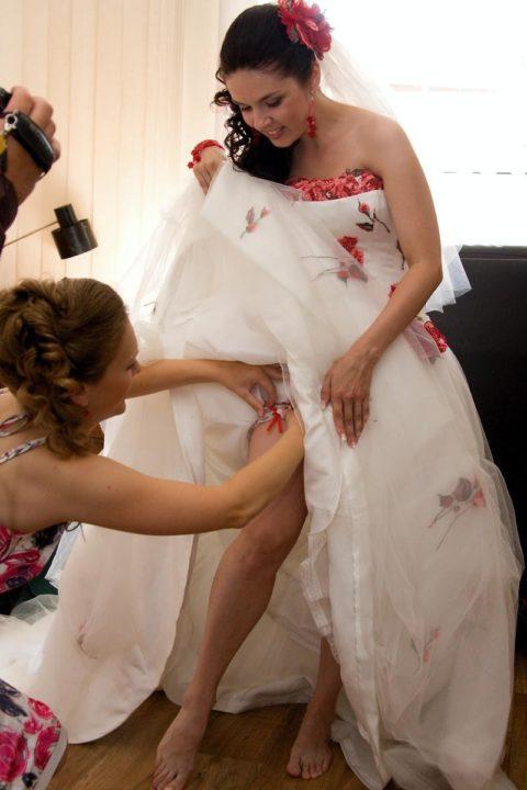 新婦がウェディングドレスに着替え中に写真撮るやつwwwwwwww(30枚)・4枚目