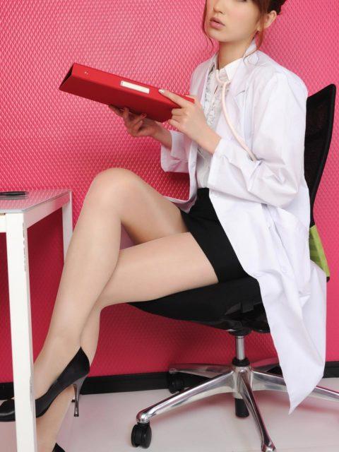 腰まで捲り上げてやりたい美脚女子のタイトスカート画像集(29枚)・4枚目