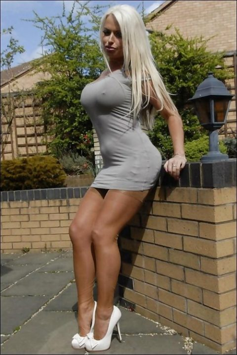 海外の着衣巨乳女たち、嘘乳すぎて萎える件・・・・・・(画像30枚)・4枚目