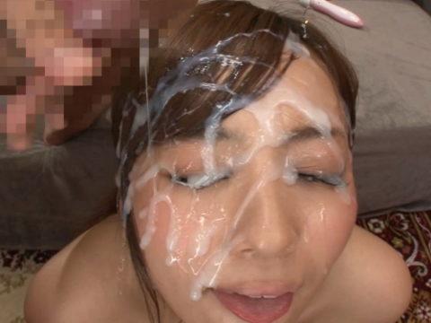 【ブス厳禁】美女しか許されない顔面ザーメンシャワーのエロ画像集(30枚)・1枚目