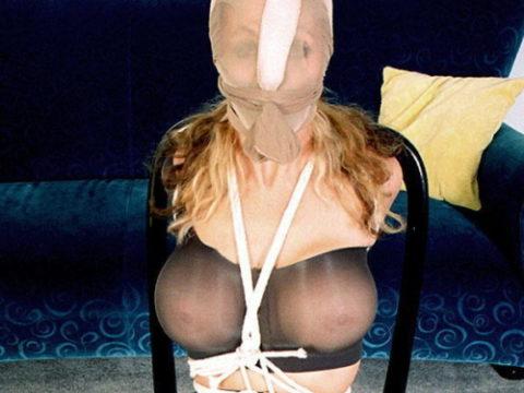 【画像30枚】女が脱ぎ捨てたパンストつかったセックスの楽しみ方がこちらwwwwwwww・1枚目