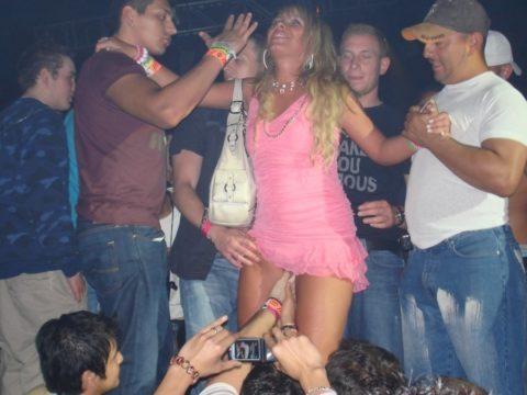 アルコールで性欲が解放された女たちをご覧くださいwwwwwwww(画像26枚)・11枚目