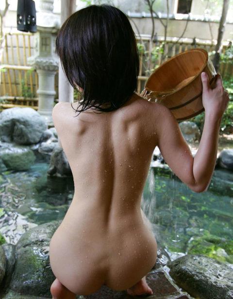 バックからぶち込みたい露天風呂美女のセクシーオケツ画像集(18枚)・8枚目
