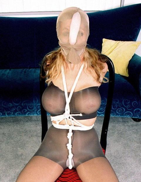 【画像30枚】女が脱ぎ捨てたパンストつかったセックスの楽しみ方がこちらwwwwwwww・13枚目