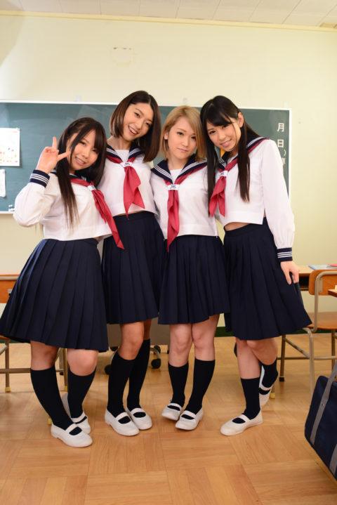 【悲報】ほぼ女子だけの学校に入学したワイ、とんでもない目に遭う・・・チンポ枯れそうでワロタwwwww(画像あり)・1枚目