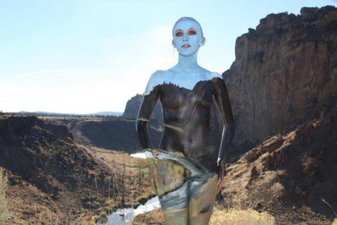風景の中に隠れた全裸女性を探す画像集(30枚)・2枚目
