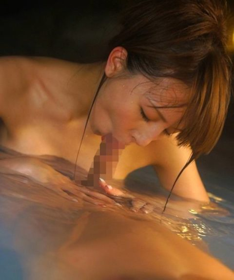 疲れた体を癒してくれるお風呂でのフェラは至高wwwwwww(画像30枚)・20枚目
