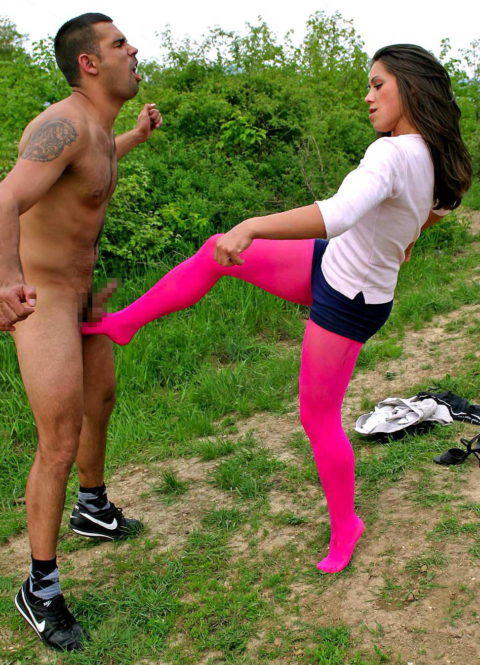 【理解不能】女にタマ蹴り上げられて快感を得るドM男たちwwwwwwwww(画像30枚)・8枚目
