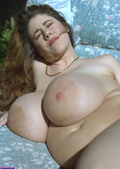 みんな大好き巨乳女性の忘れがちなリスクがこちら・・・・・(画像30枚)・9枚目