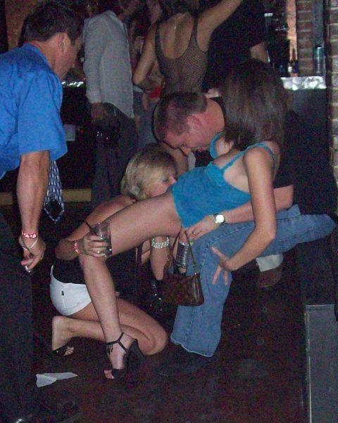 アルコールで性欲が解放された女たちをご覧くださいwwwwwwww(画像26枚)・9枚目