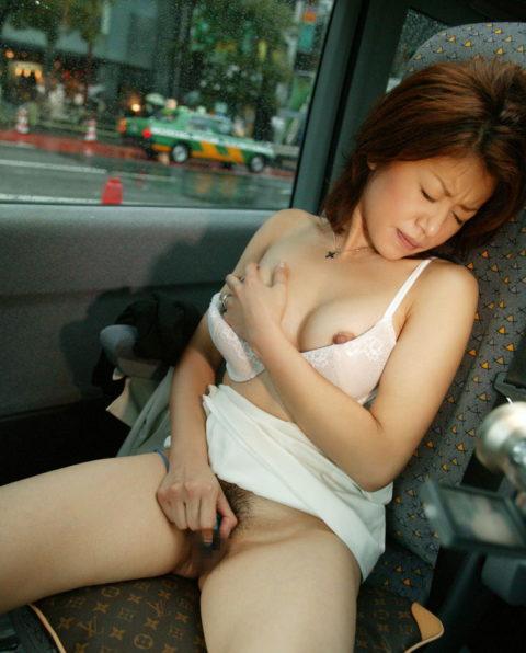 【画像あり】ドM彼女に助手席でオナニーさせるの楽しすぎwwwwwwwwwww・8枚目