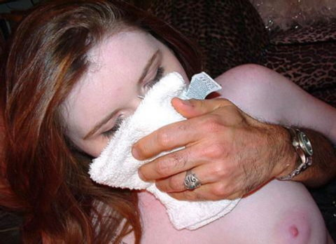【ガチ!?】レイプ魔にクロロホルムを嗅がされ気絶する女性たち・・・(画像29枚)・9枚目