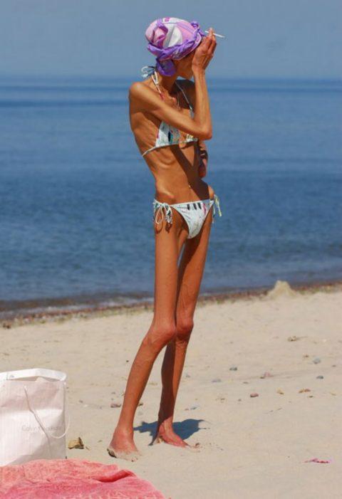 体脂肪率5%以下の女のエロ画像集(30枚)・2枚目
