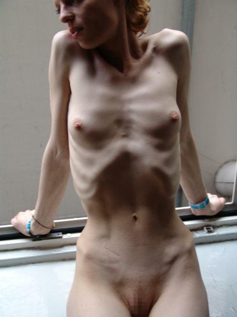 体脂肪率5%以下の女のエロ画像集(30枚)・26枚目