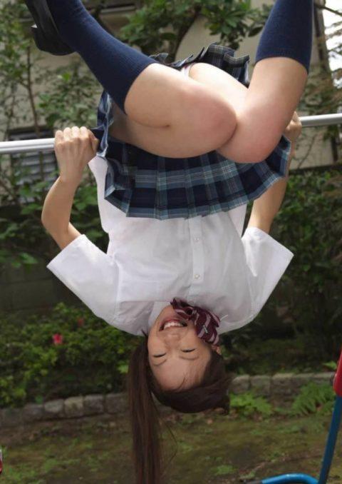 ミニスカ女子をブランコで遊ばせてみた結果wwwwwwwwwwww(26枚)・25枚目