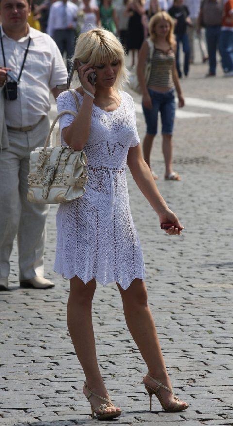 【街撮り】見せつけてるとしか思えない!シースルーファッションの女性たち(画像30枚)・30枚目