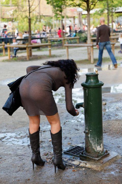 【街撮り】見せつけてるとしか思えない!シースルーファッションの女性たち(画像30枚)・5枚目