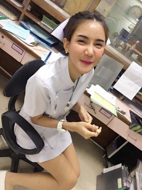 エロ過ぎてクビになった(?)というタイの看護師さんの画像集(28枚)・10枚目