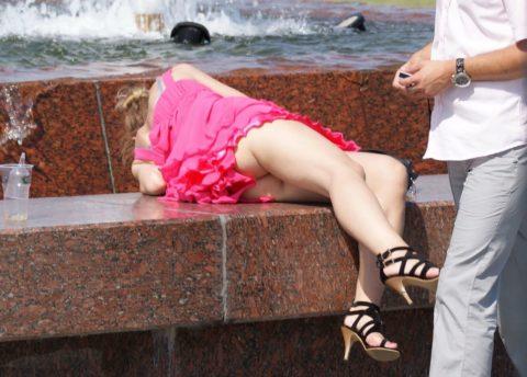 【盗撮】初夏の噴水がパンチラスポットだって知ってた?(画像30枚)・11枚目