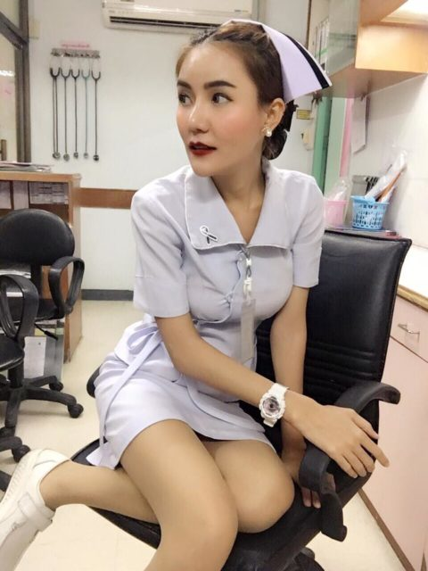 エロ過ぎてクビになった(?)というタイの看護師さんの画像集(28枚)・15枚目