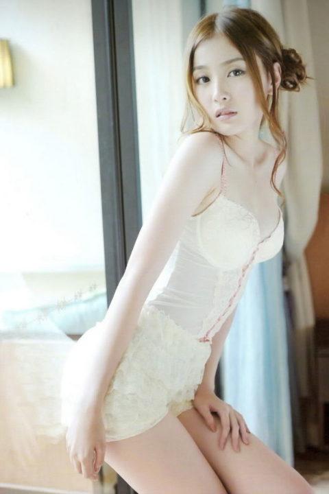 香港の下着モデルが細いのに巨乳とかいう奇跡の体型揃いで抜いた・・・(画像30枚)・15枚目