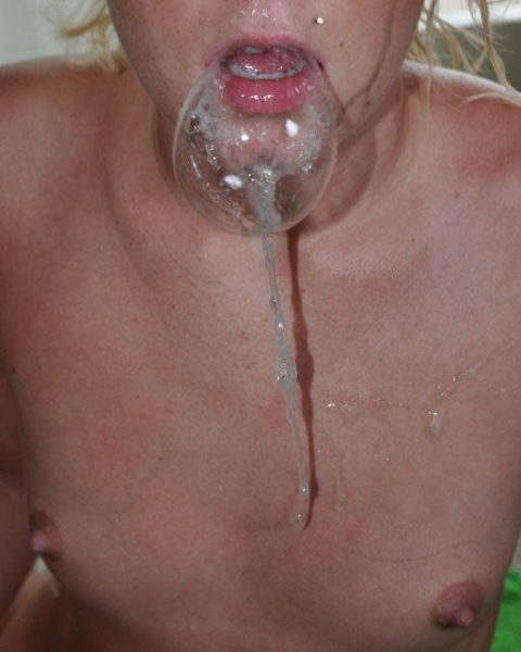 口内射精された精子で泡風船作ってるお下品女子をご覧下さいwwwwwwww(画像21枚)・15枚目