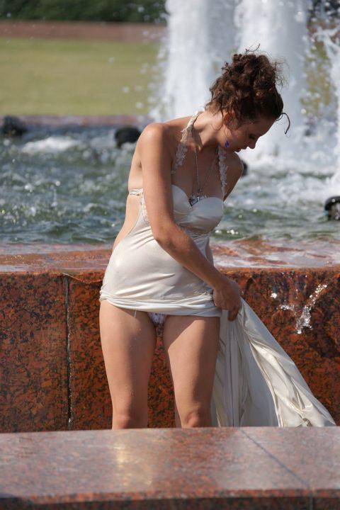 【盗撮】初夏の噴水がパンチラスポットだって知ってた?(画像30枚)・17枚目