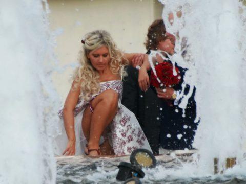 【盗撮】初夏の噴水がパンチラスポットだって知ってた?(画像30枚)・19枚目