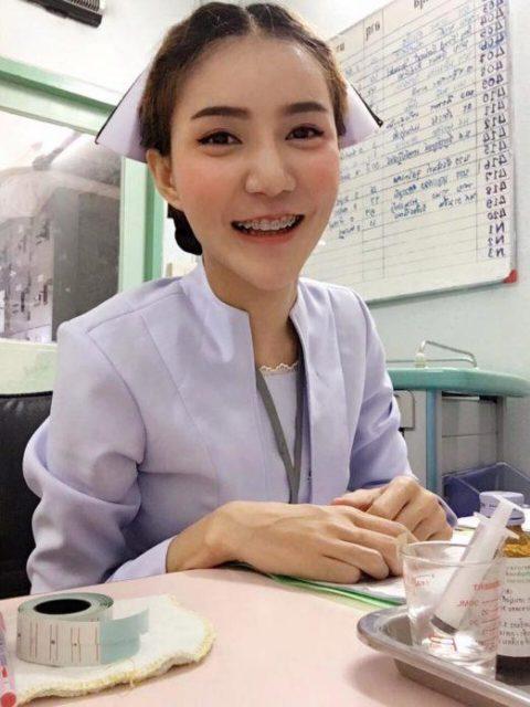 エロ過ぎてクビになった(?)というタイの看護師さんの画像集(28枚)・22枚目
