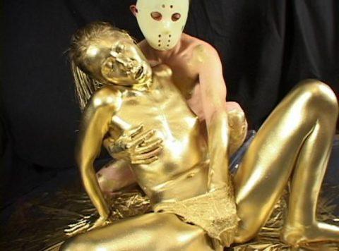 セックスするとご利益がある(?)全身金粉女のエロ画像集(30枚)・22枚目