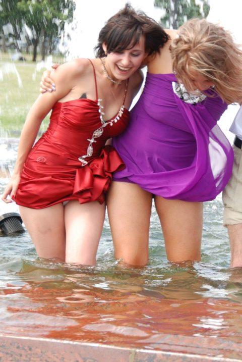【盗撮】初夏の噴水がパンチラスポットだって知ってた?(画像30枚)・22枚目